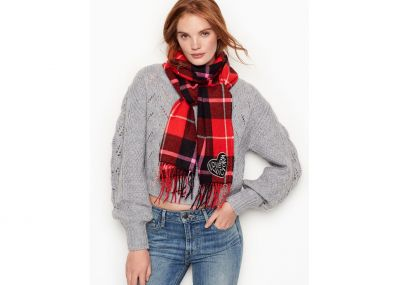 Hrejivý šál Victoria's Secret (Red Plaid)
